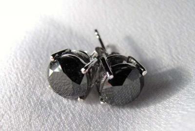 серьги с чёрными бриллиантами.png